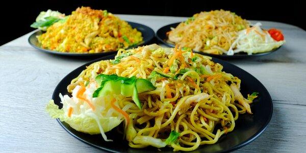 Exotické rizoto či rezance s mäsom, tofu alebo krevetami