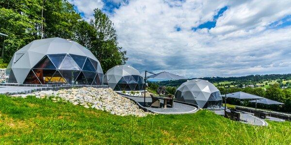 Exkluzívny pobyt v luxusných kupolách: privátna vírivka a výhľad na hory