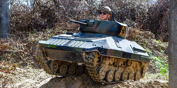 Adrenalínová jazda na mini tanku v HERO FACTORY