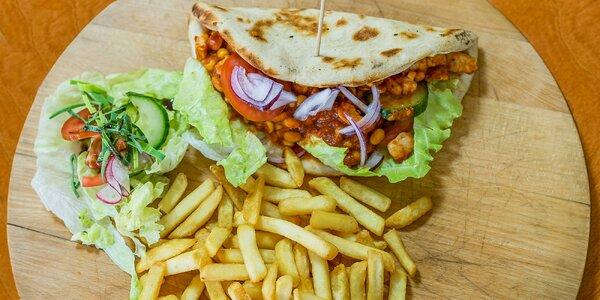 Pizza burger alebo pizza tacos s hranolčekmi