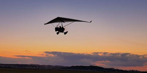 Nitra z vtáčej perspektívy s motorovým rogalom