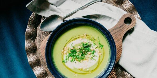 Chutne, zdravo & vegánsky: krémové zeleninové polievky, ktoré zahrejú