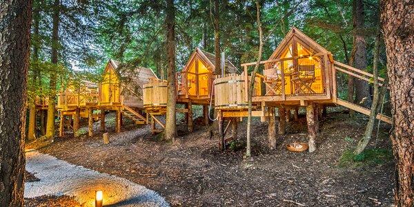 Drevené domčeky pri Blede: raňajky a vonkajšia horúca kaďa