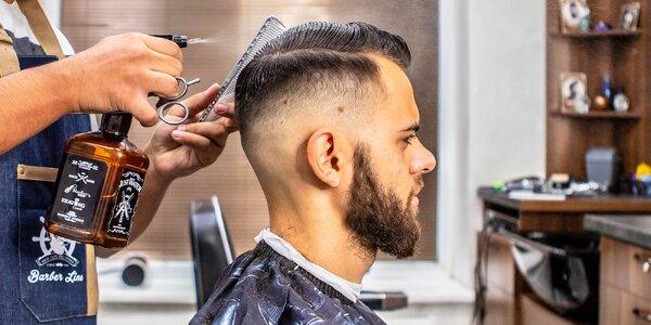 Profesionálny pánsky strih a úprava brady u barbera