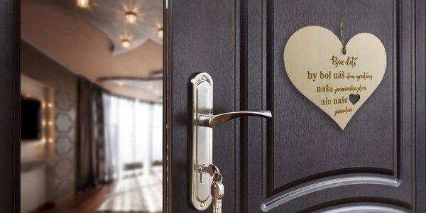 Dekoračná ceduľa na dvere s rôznymi motívmi