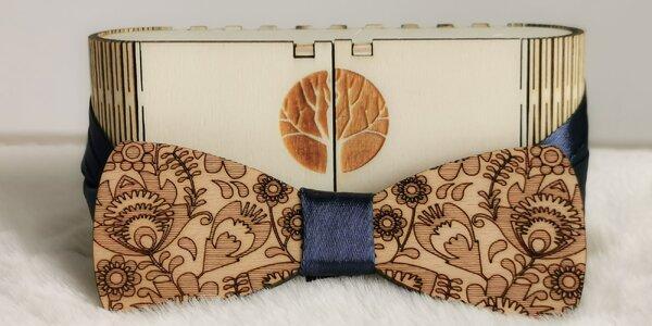 Krásne drevené motýliky so stuhou pre pánov