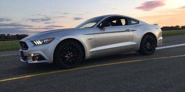 Za tento darček vás bude nosiť na rukách: venujte mu jazdu vo Ford Mustangu