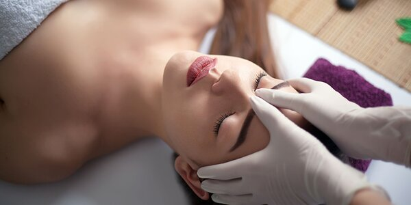 Poukazy na masáže, kaderníctvo, kozmetiku či nechty v jednom