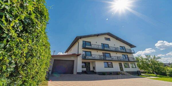 Očarujúce ubytovanie v srdci Starej Lesnej v penzióne Čikovský