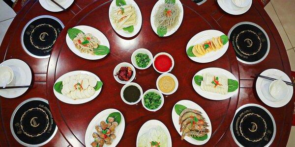 """""""Hot Pot"""" v čínskej reštaurácii Peking pre 4 alebo 8 osôb"""