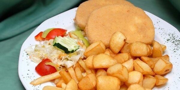 Vyprážaný syr, grilovaný alebo vyprážaný hermelín, varené zemiaky, hranolky…
