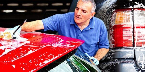 Ručné umytie auta, odstránenie nečistôt a ošetrenie po zime