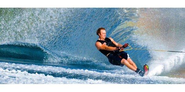 Vodné lyžovanie 9,90 € na Hrušovskej zdrži v Surf centre Cantina.