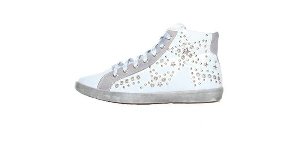 2fd267ba8ba9 VÝPREDAJ – Dámske topánky skladom. Táto kampaň už skončila. Dámske biele  tenisky s cvočkami Ana Lublin