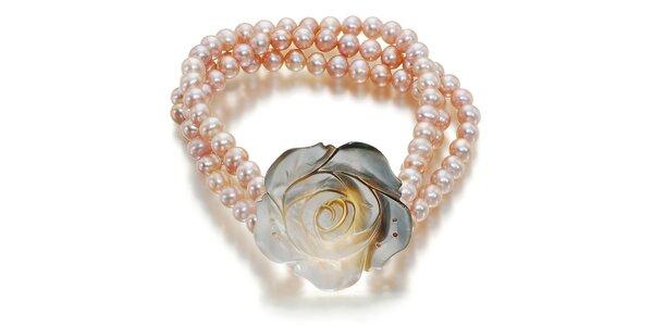 Perlový náramok Orchira s ručne vyrezávanou ružou