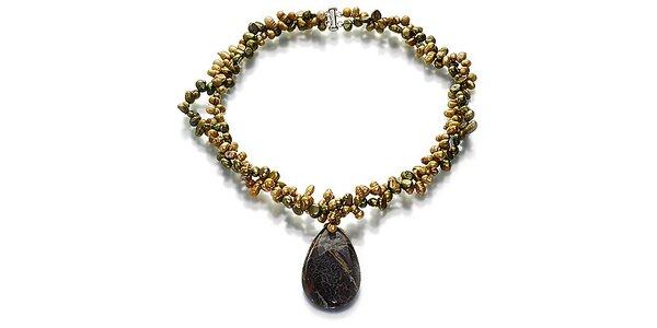 Perlový náhrdelník Orchira so zelenými a bronzovými perlami s velkým jaspisovým…