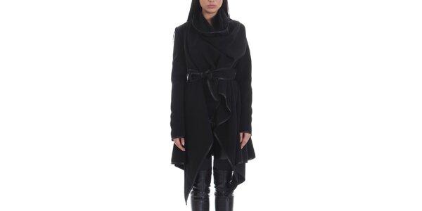 Dámsky čierny kabát s opaskom Caramela Fashion
