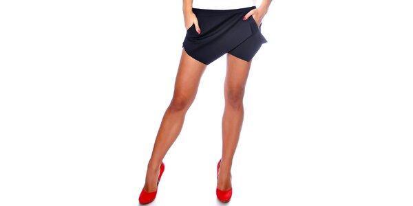 Dámske čierne šortky Caramela Fashion