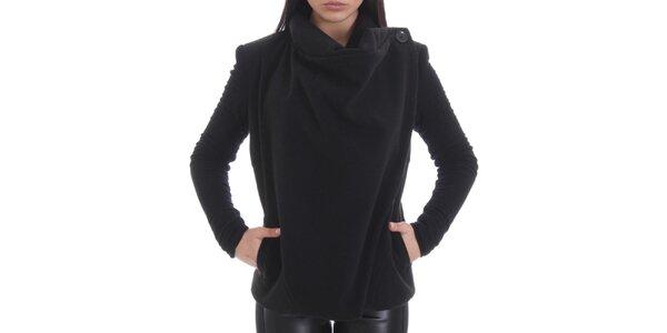 Dámsky čierny kabát s bavlnenými rukávmi Caramela Fashion