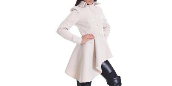 Dámsky krémovo biely kabát s asymetrickou dĺžkou Caramela Fashion