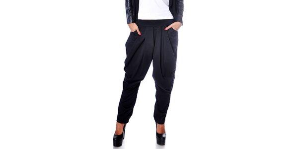 Dámske čierne harémové nohavice Caramela Fashion