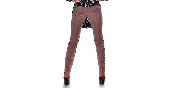 Dámske rovné hnedé nohavice s úzkymi nohavicami Caramela Fashion