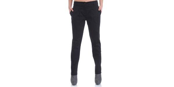 Dámske čierne elegantné nohavice Caramela Fashion