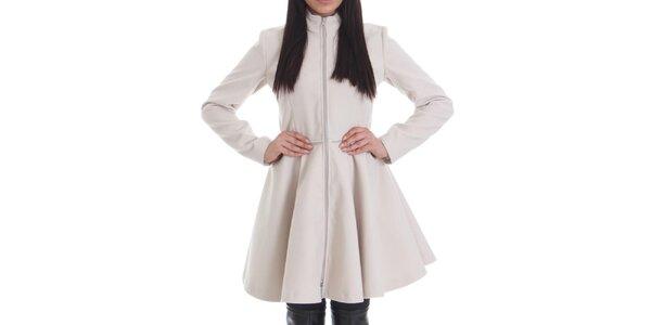 Dámsky krémovo biely kabát so zipsom Caramela Fashion