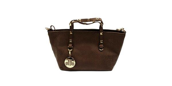 Dámska hnedá kožená taška so zlatými cvočkami Acosta