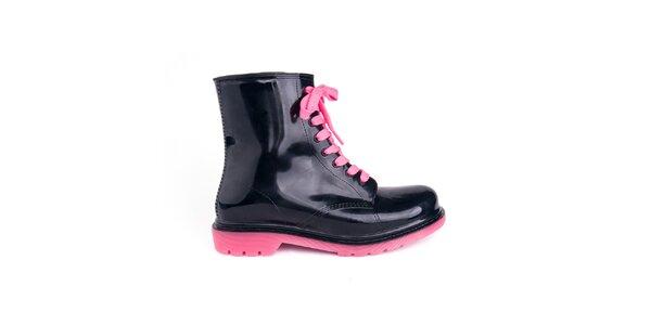 Dámske čierne topánky s ružovými šnúrkami Via Bellucci
