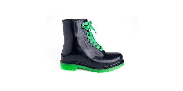 Dámske čierne topánky so zelenými šnúrkami Via Bellucci