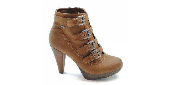 Ťavie kotníčkové topánky s prackami Xti