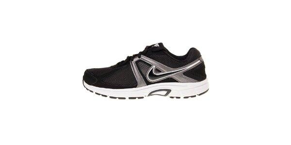 Pánske čierne bežecké topánky Nike Dart 9 so striebornými detailami
