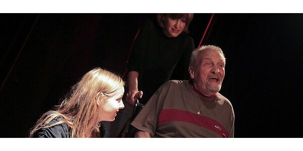 Divadelné predstavenie STATUS (Divadlo, vášeň, láska, samota.)