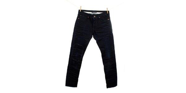 Pánske tmavé džínsy so záplatou Fuga