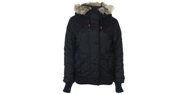 Dámska čierna bunda s kožušinkovou kapucňou Bench