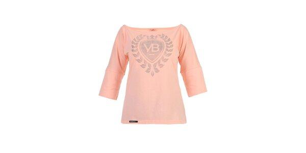 Dámske broskyňové tričko Yuliya Babich s lodičkovým výstrihom a potlačou