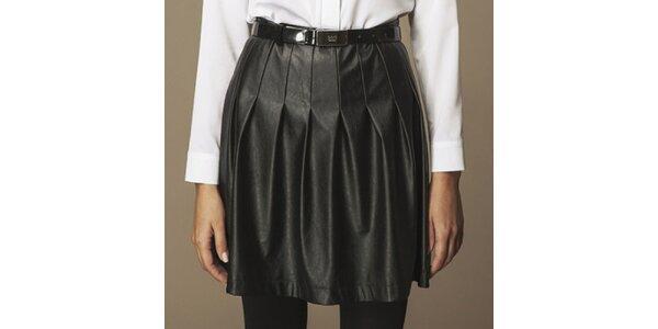 Dámska čierna skladaná koženková sukňa Ambigante