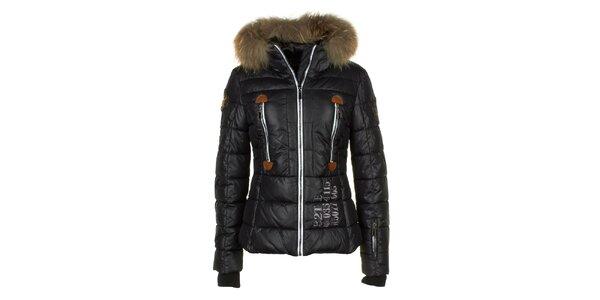 Dámska čierna bunda s prešívaním a líščou kožušinou na kapucni E2KO