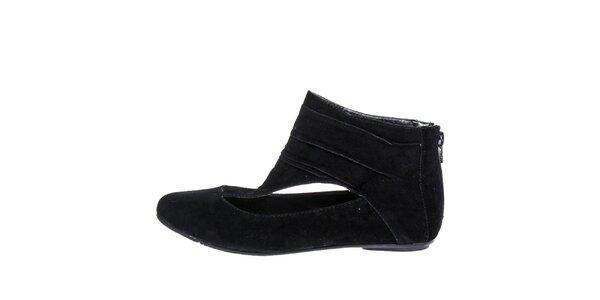 Dámske čierne topánky so zipsom na päte 1to3