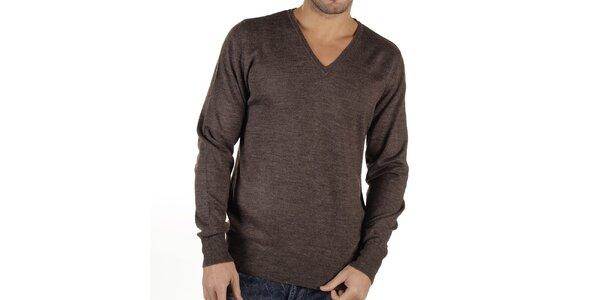 Pánsky hnedý sveter s véčkovým výstrihom New Caro