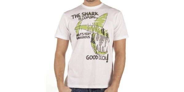 Pánske biele tričko so žraločím vtipom New Caro