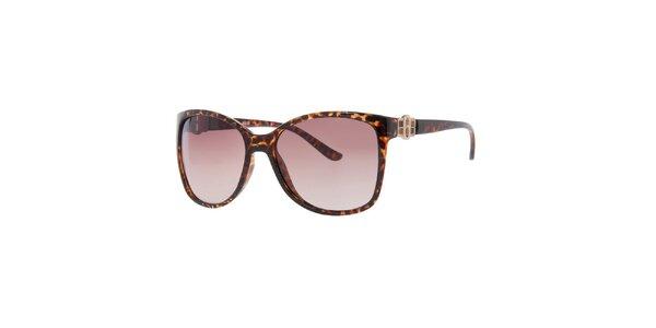 Dámske žíhané slnečné okuliare s hnedými sklami Guess