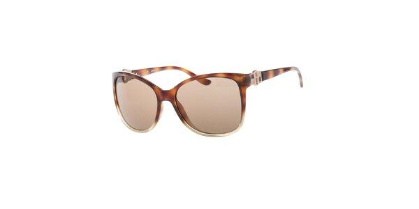 Dámske slnečné okuliare s hnedými sklami a žíhaním Guess