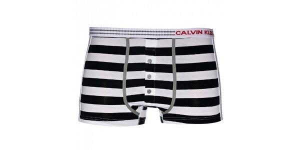 Pánske černo-biele pruhované boxerky Calvin Klein Underwear