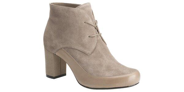 Dámske šedo-béžové semišové topánky Clarks
