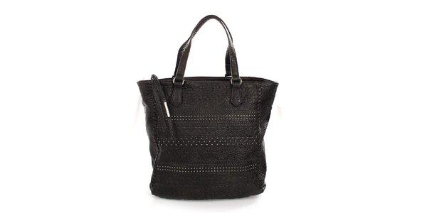 Dámska čierna reliéfna kabelka s cvokmi Sisley