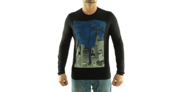 Pánske čierne tričko Calvin Klein s farebnou potlačou
