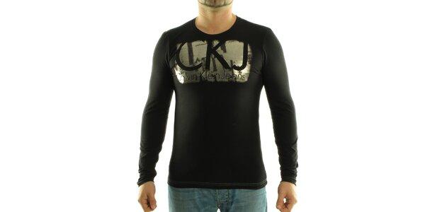 Pánske čierne tričko Calvin Klein so striebornou potlačou