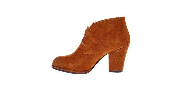 Dámske ťavie semišové topánky Buffalo s vysokým podpatkem